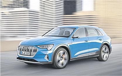 Kraftvoll – und komplett emissionsfrei: der neue Audi e-tron. Foto: Audi
